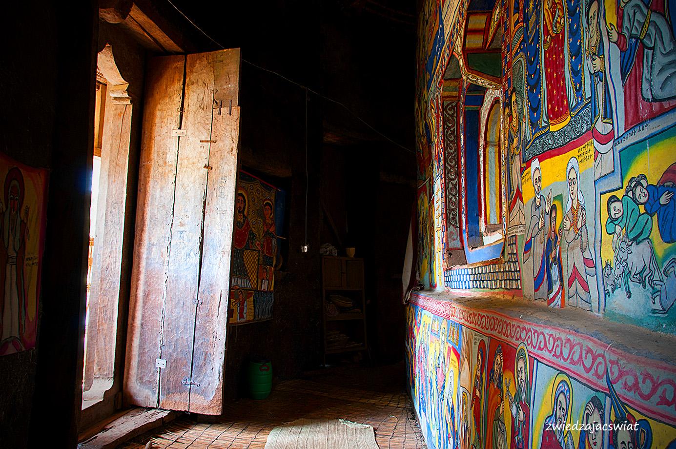 malowidła zdobiące ściany monastyru
