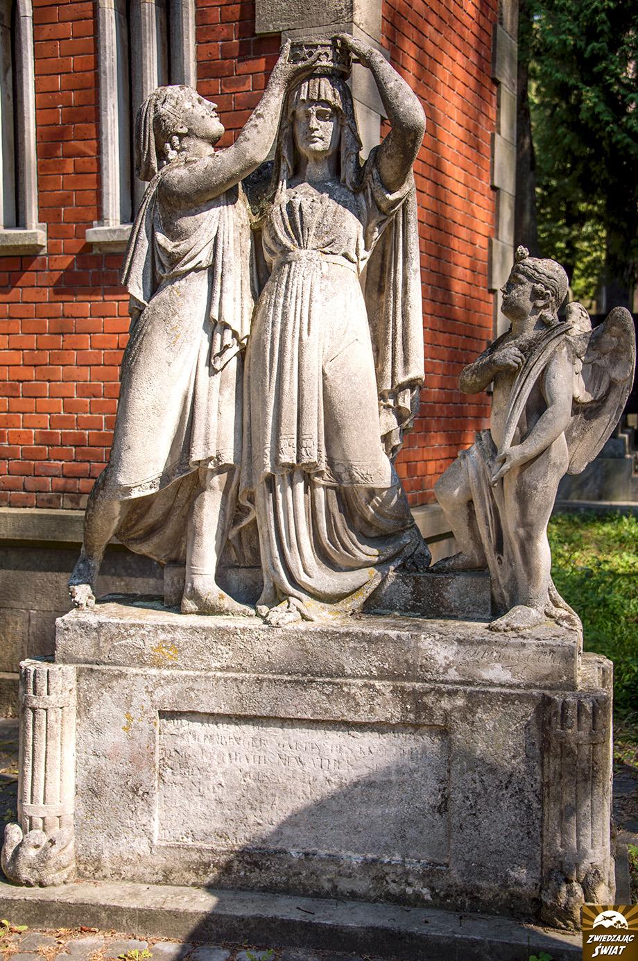pomnik w miejscu pochówku Julianny Newater