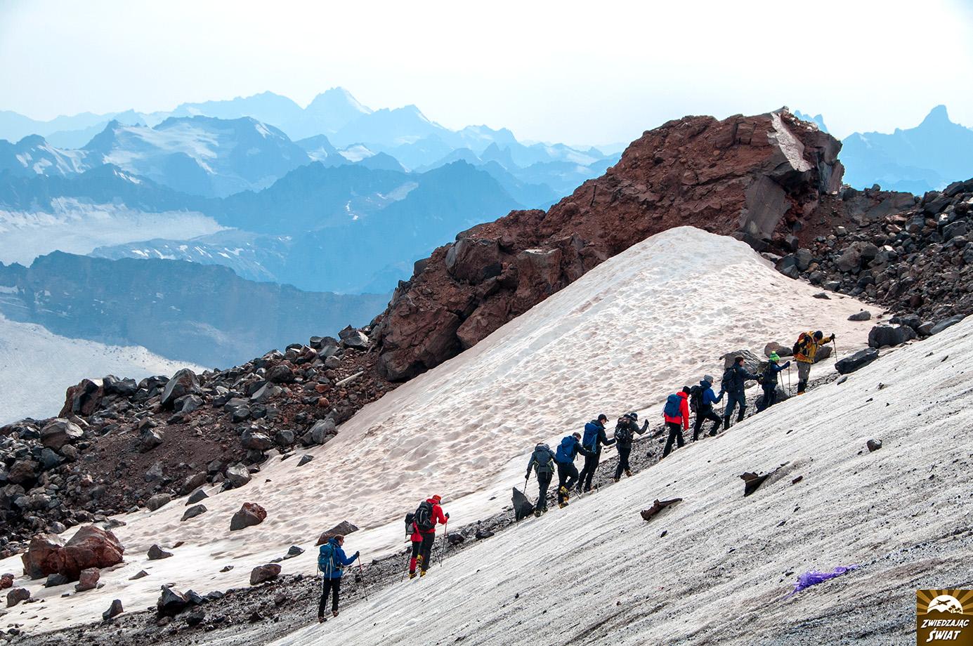 trekking na Elbrusie
