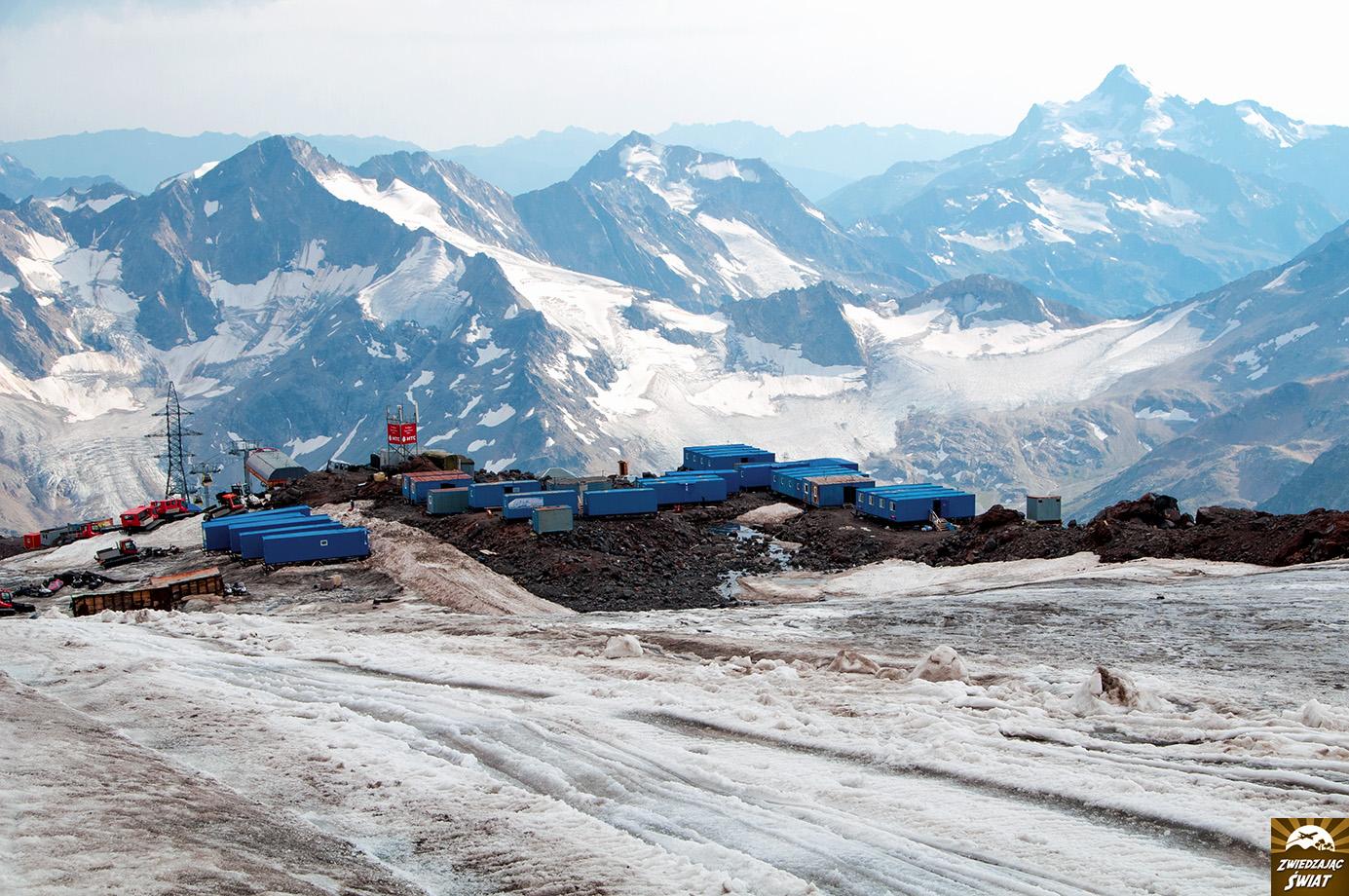 panorama Kaukazu z Elbrusa