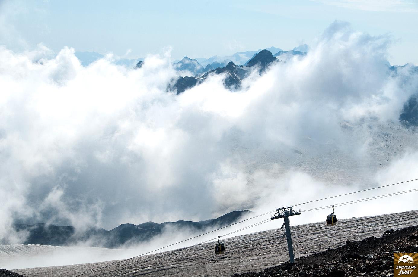 widok ze zbocza Elbrusa